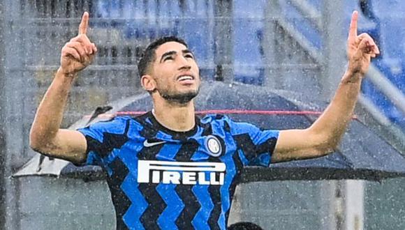Achraf Hakimi fichó por Inter de Milán hasta junio del 2025, pero podría salir hacia el PSG por la situación el conjunto italiano. (Foto: AFP)