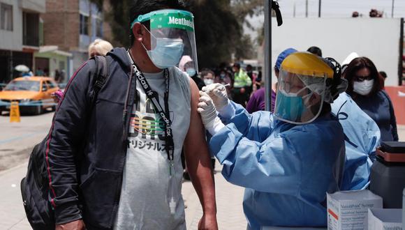 En las últimas semanas se ejecutaron campañas de vacunación contra la difteria. (Foto: Ángela Ponce/ @photo.gec)