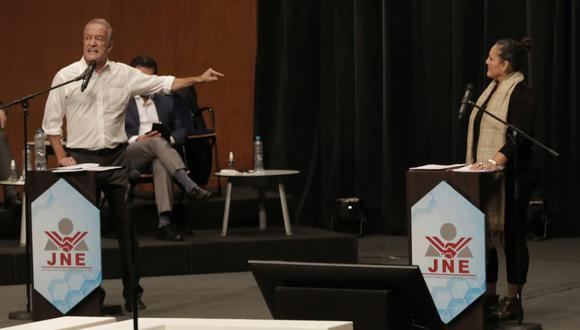 Pedro Castillo y Keiko Fujimori definieron a sus equipos técnicos y se enfrentarán en un debate organizado por el JNE.