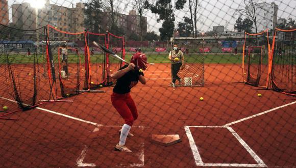 Las seleccionadas de Sotbol comenzaron a entrenar porque participarán del mundial en el que seremos anfitriones. (Foto: Legado)