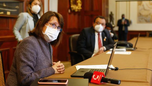 Ministra de Salud se reunió con el presidente del Poder Legislativo, y participó de la sesión de la Comisión COVID-19. (Foto: Minsa)