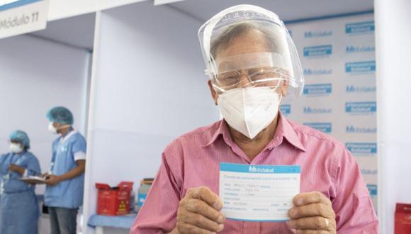 """EsSalud precisó que el link """"EsSalud te cuida"""" busca la actualización de datos de los asegurados que próximamente serán vacunados contra el coronavirus COVID-19. (Foto: Andina)"""