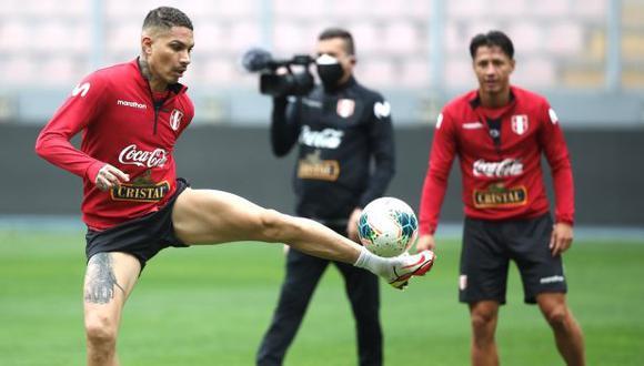 Paolo Guerrero lamentó la caída contra Brasil. (Foto: EFE)