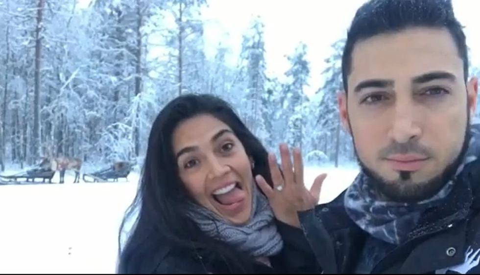 Vania Bludau muestra el anillo de compromiso que le dio Frank Dello Russo cuando le propuso matrimonio. (Foto: @vaniabludau)