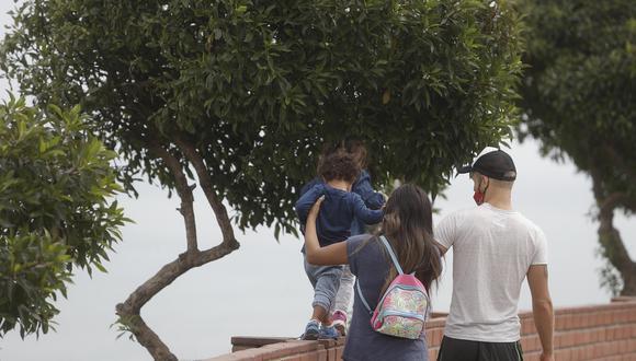 """La Punta pide a sus vecinos no acudir """"excesivamente"""" a parques y malecones ante incremento de casos de COVID-19 en niños y adolescentes. (Foto: Referencial/César Campos/GEC)"""