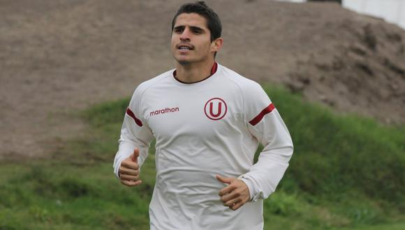 Aldo Corzo fue cambiado en el segundo tiempo del partido entre Universitario y UTC en Cajamarca. El Maso terminó muy molesto por el accionar del arbitraje durante el encuentro.
