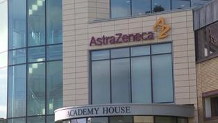 Universidad de Oxford pausa los ensayos de vacuna AstraZeneca con niños
