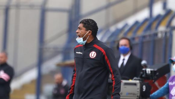 Juan Pajuelo es técnico interino de Universitario luego de la salida de Ángel Comizzo. (Foto: Universitario)