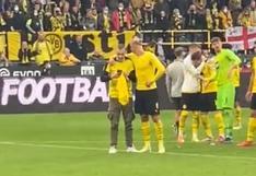 Haaland mostró su carisma: regaló su camiseta y celebró con un hincha del Dortmund   VIDEO