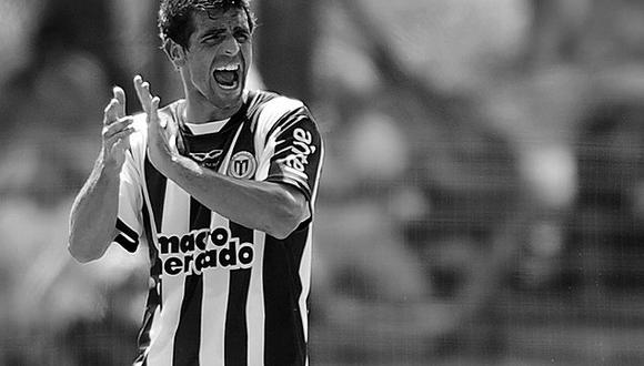 El defensa uruguayo de 38 años jugaba en el Villa Teresa de la Segunda División de su país y había sido diagnosticado con COVID.