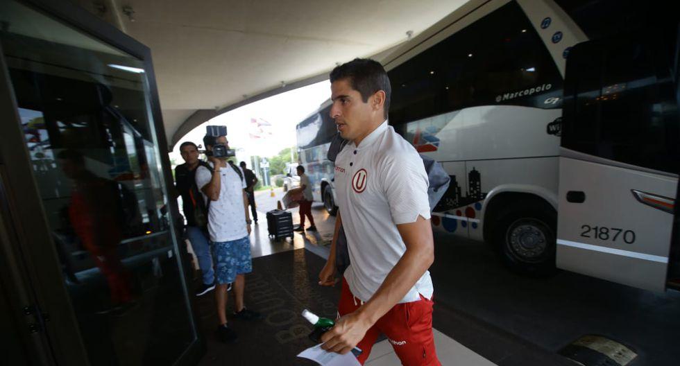 Los jugadores y demás integrantes de Universitario llegaron a su lugar de concentración en Asunción tras ser despedidos de Lima con un caluroso banderazo por parte de la afición del club. (Fotos: Jesús Saucedo / GEC)