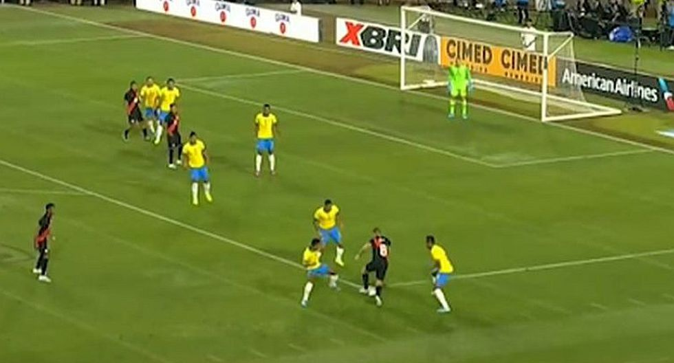Perú vs. Brasil: Gabriel Costa a punta de regate casi deja en el camino a dos defensas del 'Scratch' | VIDEO