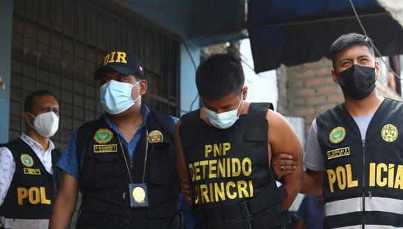 """El robo agravado es el delito más recurrente en el país. En la imagen el traslado de la banda """"Los audaces del jirón de la Unión"""", que asaltaron en enero la joyería Crispín en el centro de Lima. (Foto: Gonzalo Córdova/@photo.gec)"""