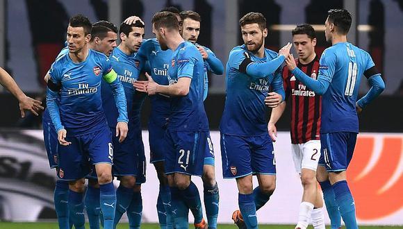 Arsenal derrotó por 0-2 a Milan y sueña con romper una maldición