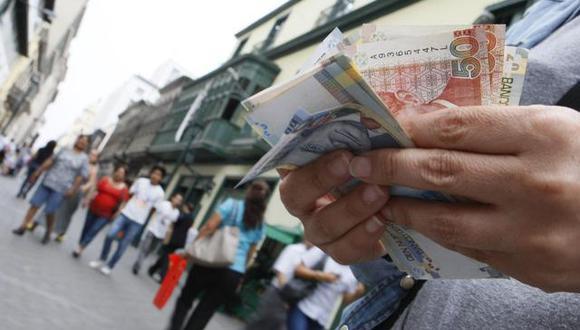 En el Decreto Supremo se detalla que el trabajador puede realizar retiros, totales o parciales, del monto disponible en su respectiva cuenta de depósito de CTS (Foto: Andina)