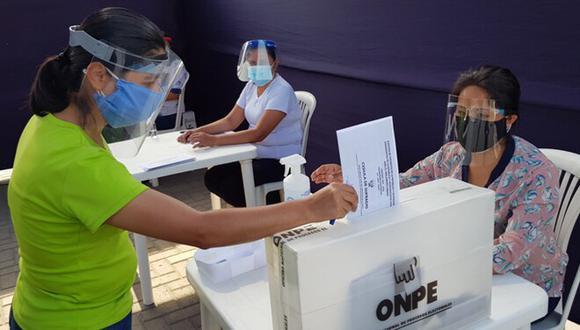 La compensación económica de 120 soles para estos comicios ha sido posible gracias al trabajo coordinado entre la ONPE y el Poder Ejecutivo. (Foto: ONPE)