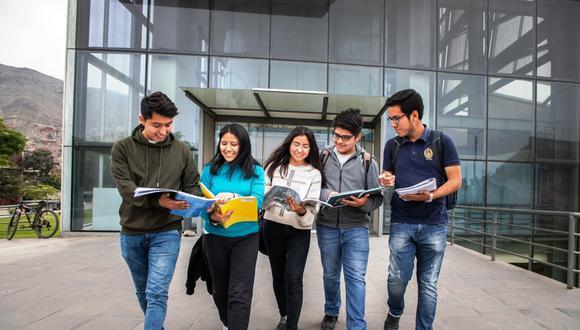 La norma busca generar mayores posibilidades de acceso temporal a la educación universitaria en medio de la pandemia del COVID-19. Foto: Andina