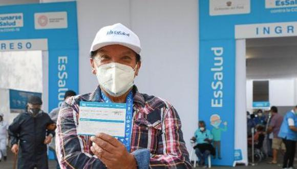 Personas entre 60 y 62 años serán vacunadas contra la COVID-19 a partir del martes 8 de junio en Lima Metropolitana y Callao