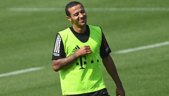 Thiago Alcántara es voceado para fichar por Liverpool. (Foto: AFP)