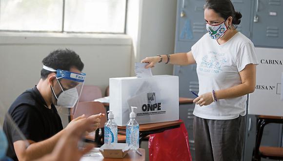 La votación es obligatoria y quienes no ejerzan su derecho al voto serán multados. (Foto: GEC)