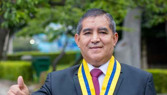 Rolando Esteban Aguirre también era regidor metropolitano y representante de la Asociación de Emolienteros del Perú. (Foto: Facebook)