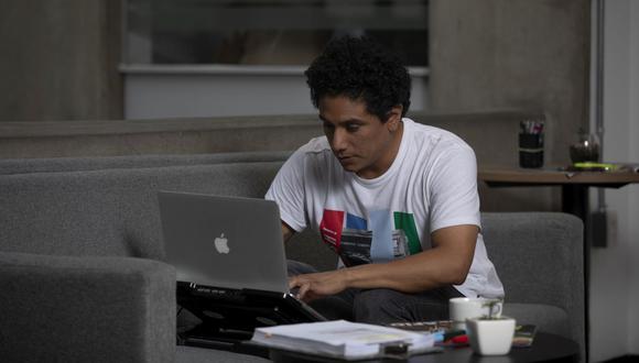 A la fecha existen más de 220,000 trabajadores laborando desde sus hogares. (Foto: Leandro Britto / GEC)