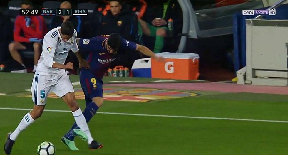 Falta de Suárez contra Varane le valió el gol a Messi ante Real Madrid