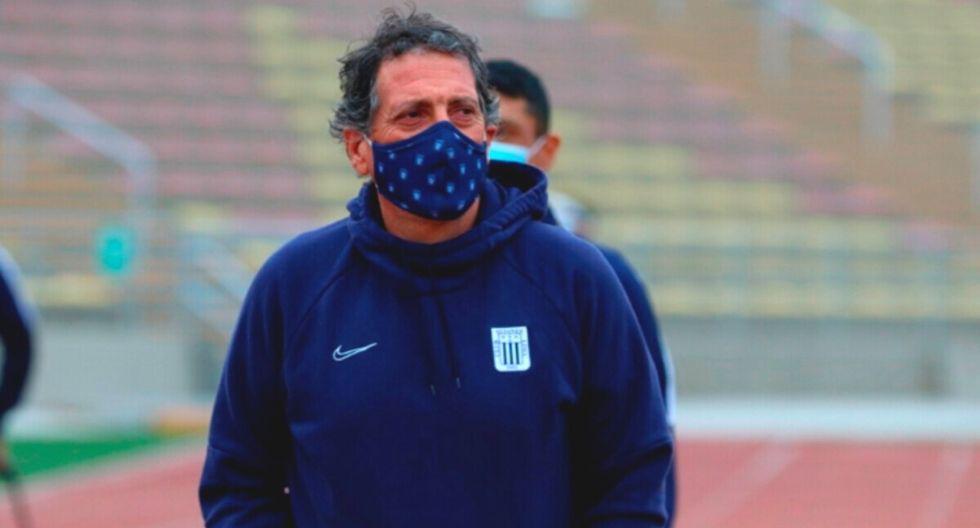 Mario Salas no deja Alianza Lima e iría con policías a entrenamiento 'grone' en Lurín