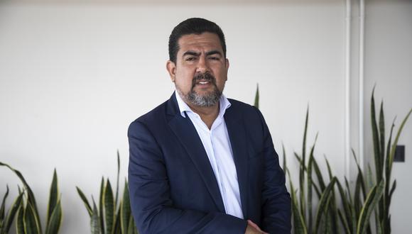 Carlos Moreno señaló que se priorizará que el reemplazante de Pérez se encuentre viviendo en Perú  Foto: Eduardo Cavero/GEC