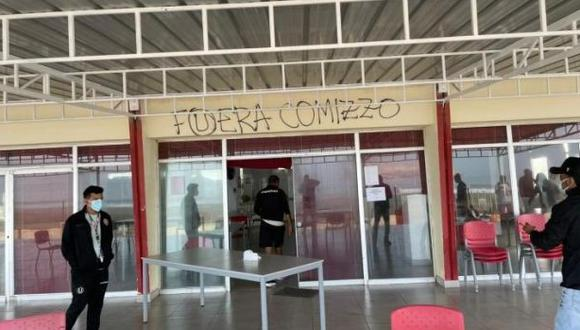 Universitario de Deportes solo registra un triunfo en lo que va del 2021. (Captura: Facebook / La Banda de Odriozola)