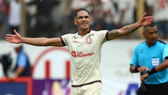 Jonathan Dos Santos anotó el segundo gol de Universitario ante Alianza Lima en el clásico del fútbol peruano. Foto: GEC