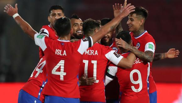 Chile venció a Perú con goles de Arturo Vidal. La Roja suma 4 puntos en las Eliminatorias y la Bicolor se queda con 1 punto.