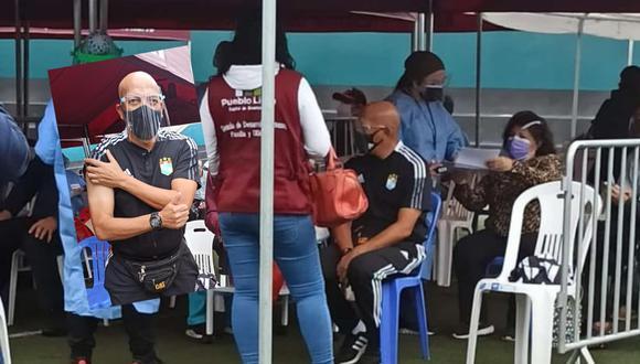 El técnico de Sporting Cristal recibió su primera dosis de la vacuna contra el COVID 19