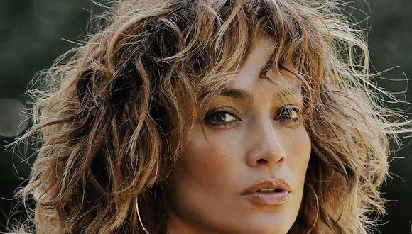 """Jennifer Lopez da de qué hablar con """"selfie"""" donde se luce en bata, sin maquillaje y recién levantada. (Foto: @jlo)"""