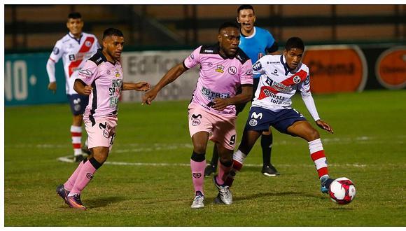 Panameño Luis Tejada coquetea con Deportivo Municipal y UTC