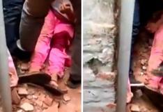 Mujer quedó bajo escombros y sus vecinos trataron de rescatarla tras sismo en Piura [VIDEO]