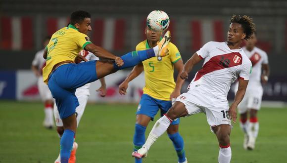 La Federación Peruana de Fútbol anunció que se reunió con asesores arbitrales para analizar el accionar del arbitraje de Julio Bascuñan en el Perú vs. Brasil.