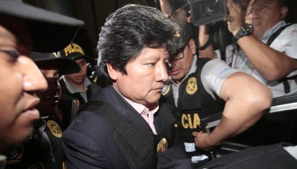 Hijo de Edwin Oviedo pide que expresidente de la FPF sea trasladado a UCI por presentar síntomas del coronavirus.