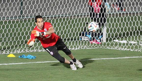 ¿Qué hacía Claudio Bravo mientras Perú goleaba a Chile en Miami?