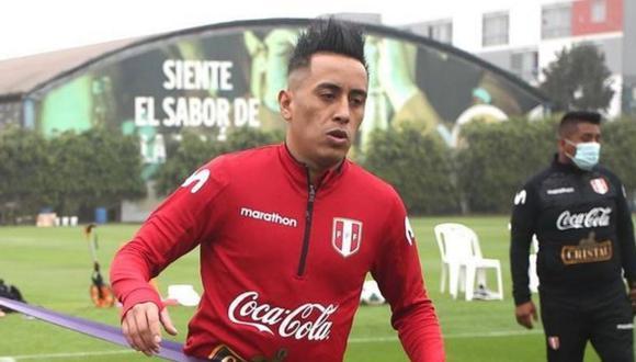 """El hombre de prensa aseguró que la jugada infructuosa que hizo Cueva, que derivó en el gol de Bolivia, la hizo porque es """"lo que le pide su naturaleza""""."""