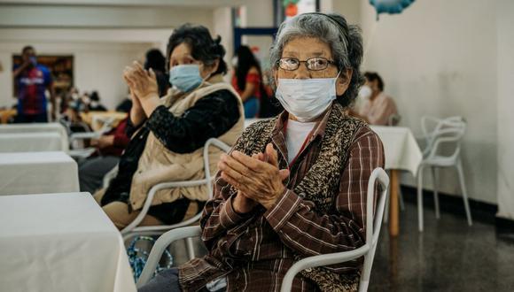 Las 50 mil dosis de vacunas Pfizer llegaron este jueves a Perú y será para vacunar a los adultos mayores, integrantes de las Fuerzas Armadas y policías, conoce los detalles aquí.
