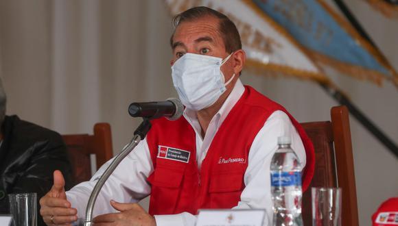 """Martos agradeció a los alcaldes y gobernadores regionales debido a que con su presencia """"están deponiendo cualquier interés de partido o ideología en bien del pueblo peruano"""". (Foto: PCM)"""