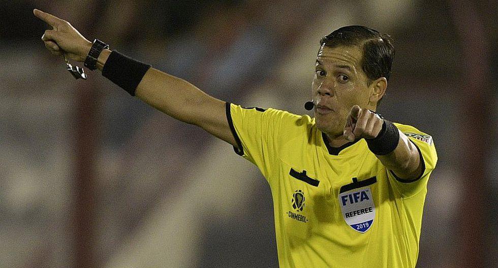 En Paraguay desconfían de Víctor Hugo Carrillo por ser el árbitro ante Colombia | FOTO