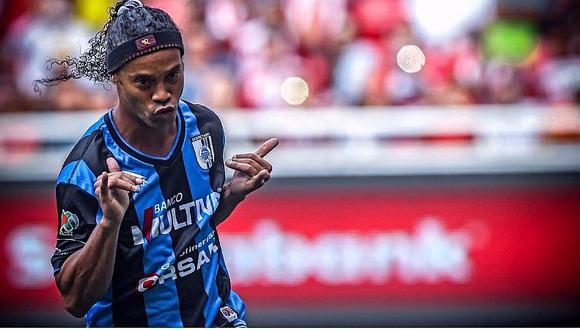 Revelan que Ronaldinho bebía alcohol en Querétaro (VIDEO)