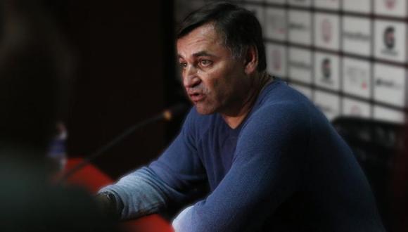 Carlos Bustos dejó de ser entrenador de Melgar. (Foto: GEC)
