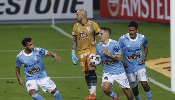 Sporting Cristal venció 2-1 a Arsenal de Sarandí con doblete de Alejandro Hohberg en el estadio Nacional. Foto: Violeta Ayasta