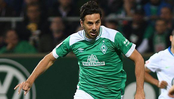 Claudio Pizarro sufrió lesión y es duda en Werder Bremen