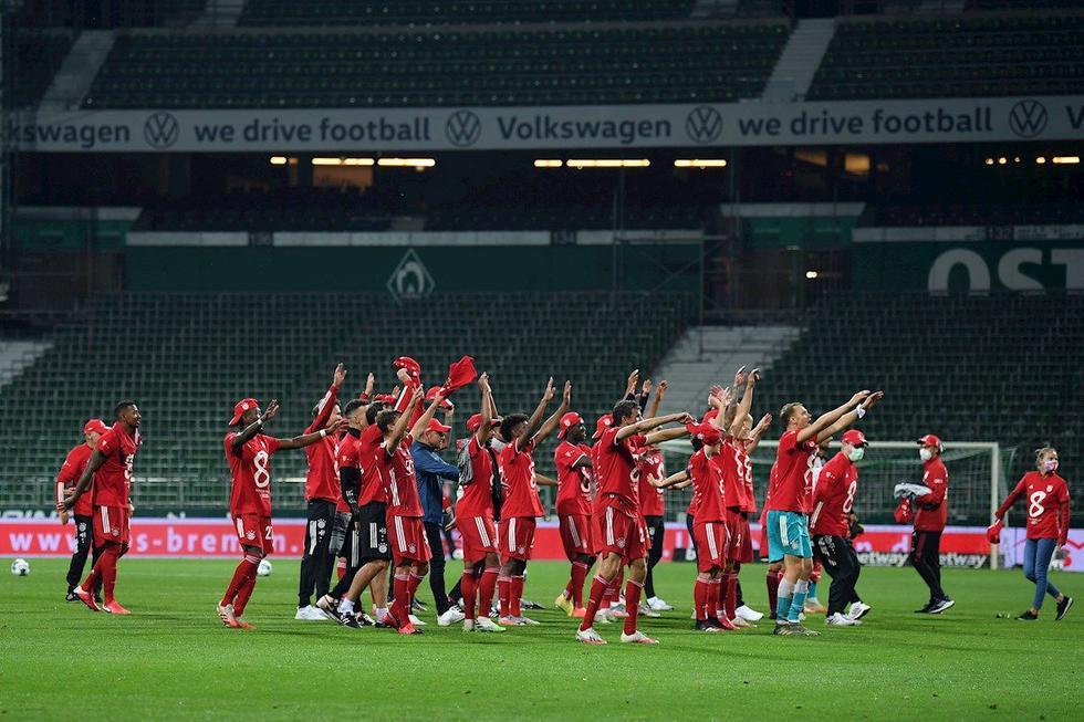 Los festejos del Bayern Munich tras coronarse campeón de la Bundesliga. (Foto: EFE)