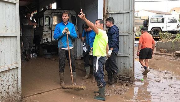 Rafael Nadal se vuelve un voluntario más tras inundaciones en Mallorca
