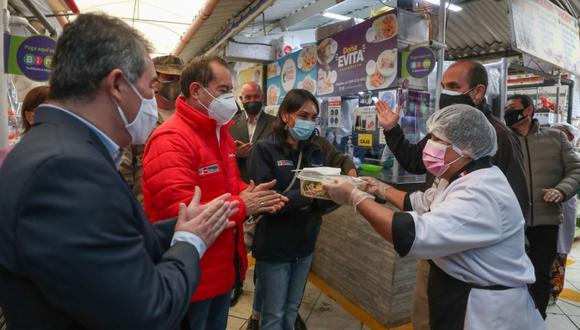 El primer ministro explicó que esta segunda entrega se realizará a nivel nacional a través de diferentes medios electrónicos. FOTO: Andina